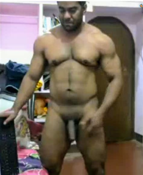 Desi gay cam sex video of a horny man showing off huge ...