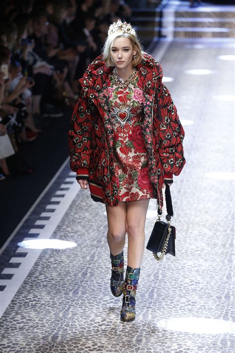sarah snyder dolce gabbana show runway  milan fashion week february  celebmafia