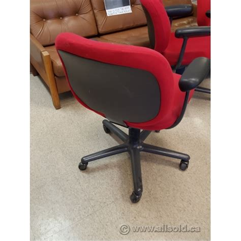 herman miller adjustable rolling task chair with arms