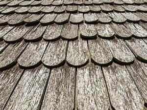 Tuile Pour Toiture : tuiles en bois pour sa toiture avantages et essences ~ Premium-room.com Idées de Décoration