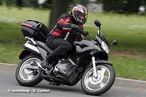 Forum 125 Varadero : honda varadero 125 travel edition moto magazine leader de l actualit de la moto et du motard ~ Medecine-chirurgie-esthetiques.com Avis de Voitures
