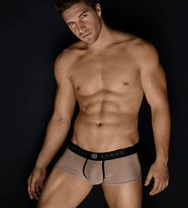 Photo Homme Sexy : what s hot in the uk and at for july underwear news briefs ~ Medecine-chirurgie-esthetiques.com Avis de Voitures