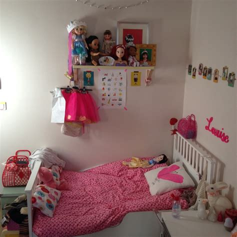 une chambre emejing chambre simple fille pictures lalawgroup us