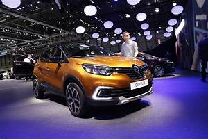 Renault Captur Initiale Paris Finitions Disponibles : renault captur 2017 restylage et version initiale paris photo 50 l 39 argus ~ Medecine-chirurgie-esthetiques.com Avis de Voitures