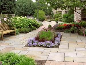 Plants for your patio hgtv for Patio garden design