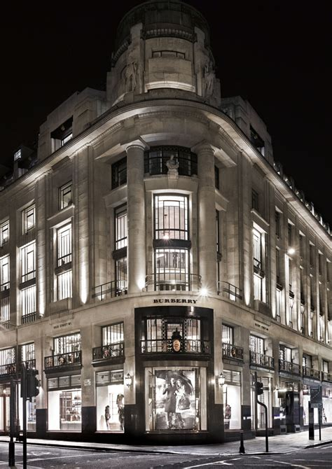 burberry flagship store retail design