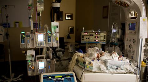choc offers  specialized care  newborns