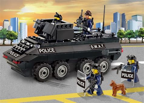 Oxford Block Town Series S.w.a.t Armored Car St33318 & 4