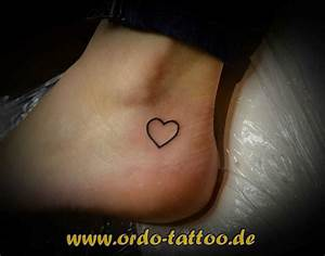 Finger Tattoo Herz : tattoovorlage fuss tattoo miniherz ~ Frokenaadalensverden.com Haus und Dekorationen