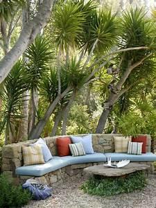 voici nos exemples pour un banc de jardin With idee amenagement jardin devant maison 18 le salon de jardin en resine tressee en 52 photos