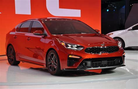 2019 Kia Forte Debuts With A Fresh Face And More Space