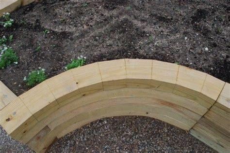 diy   create  curved raised garden bed  cut