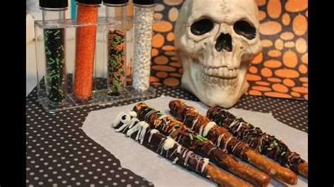 How to Make Chocolate Covered Pretzel Rods - YouTube