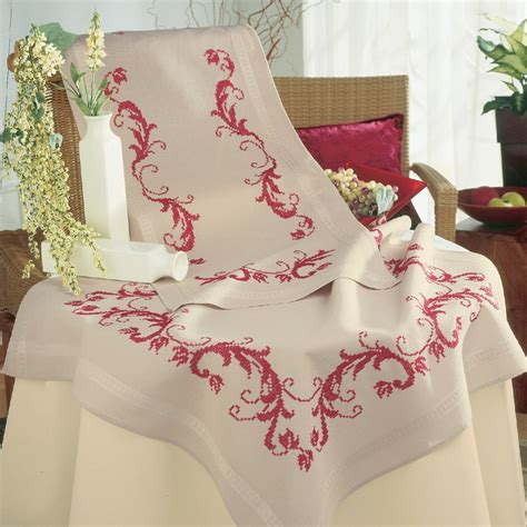 nappe a broder point de croix vervaco kit nappe imprim 233 e au point de croix arabesques vervaco kits boutique broderie du