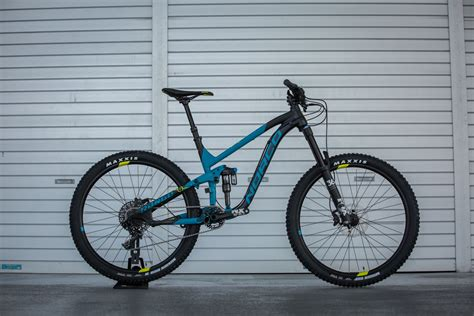 norco 2017 range highlights flow mountain bike