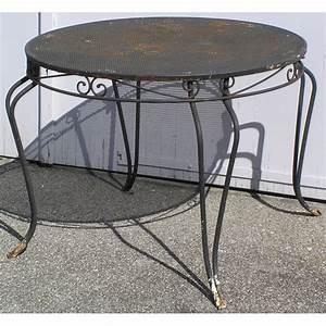 Table Ronde Exterieur : table ronde d 39 ext rieur 4 pieds en sur moinat sa antiquit s d coration ~ Teatrodelosmanantiales.com Idées de Décoration