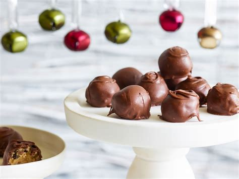 In order to provide a. Trisha Yearwood's Top 59 Favorite Recipes | Holiday cookie ...