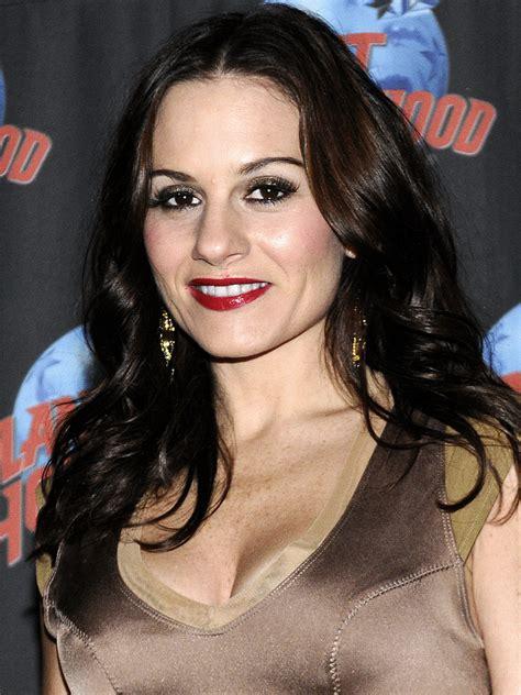 Kara DioGuardi Photos and Pictures | TV Guide