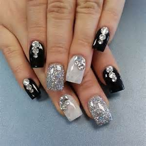 Nail art design 2017 black and white : Examples of black and white nail art design