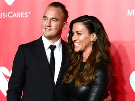 Alanis Morissette Welcomes Second Child! - The Hollywood ...