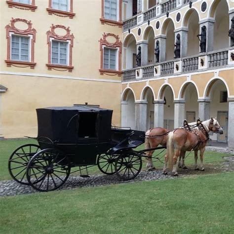 carrozze per cavalli usate quando roma vieta le carrozze di cavalli