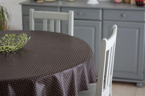 cuisine repeinte en gris repeintes en gris ces chaises et cette table sont plus