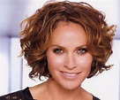 Amy Brenneman - Bio, Facts, Family Life of Actress