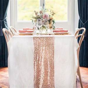 Chemin De Table Rose Gold : 10 tablecloths and table runners we love ~ Teatrodelosmanantiales.com Idées de Décoration