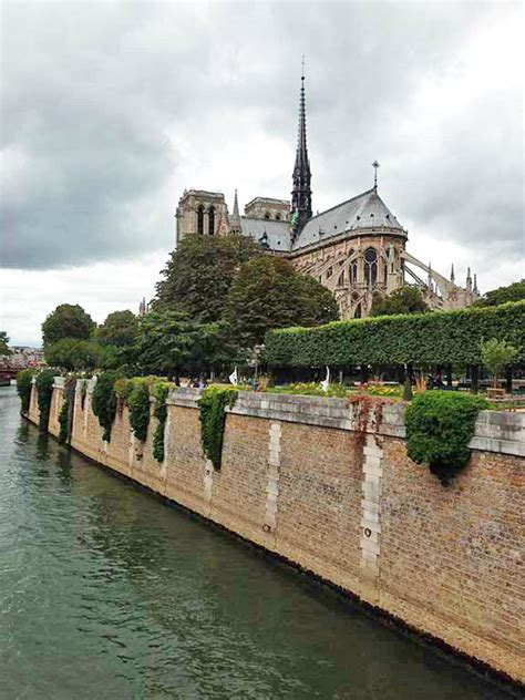Boat Tour Seine River Paris by Seine River Cruise Bike Tours Bike And Barge Trips In France