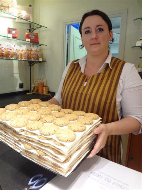 la maison des soeurs macarons p 226 tisserie nancy les macarons des soeurs produits