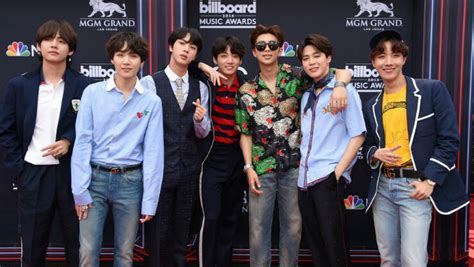 bts hit   billboard  awards red carpet