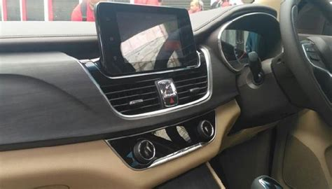 Review Wuling Cortez by Spesifikasi Dan Fitur Wuling Cortez 2018 Car Goozir