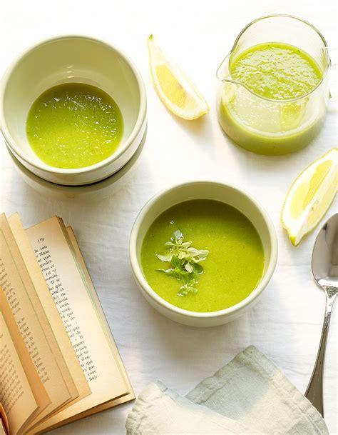 cuisiner des tomates vertes velouté glacé de tomates vertes pour 4 personnes recettes à table