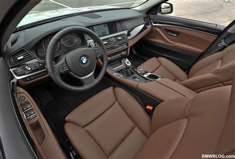 poll brown interior photoshop