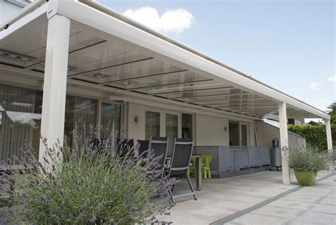 store de toiture pour pergola protections solaires pour pergolas la maestria