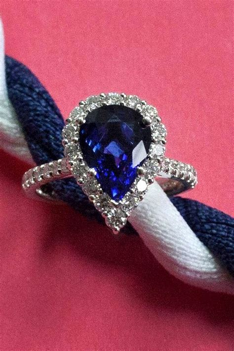 stunning pear shaped engagement rings   perfect