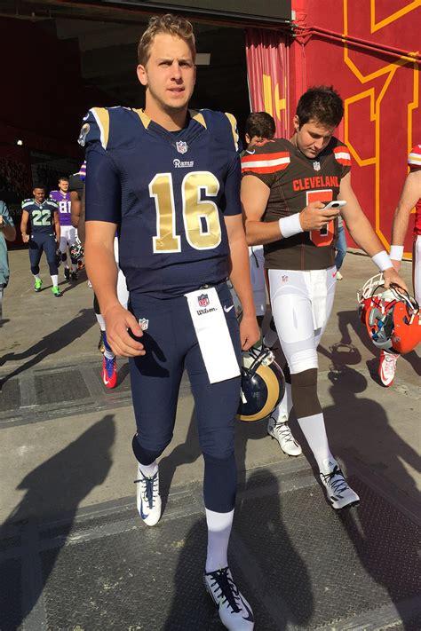 la rams quarterback jared goff  uniform