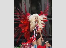 Nicki Minaj returns to her native Trinidad to shoot