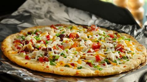 Grilled Chicken and Bacon Ranch Pizza Recipe