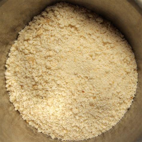 bread crumbs file bread crumbs jpg wikimedia commons
