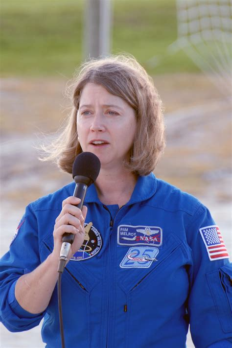 Woman Astronaut NASA Goes Nuts - Pics about space
