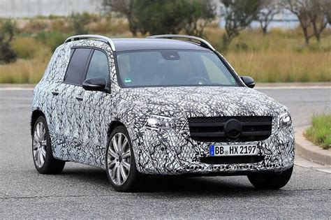 Looking for a new suv? 2020 Mercedes-Benz GLB Price, Specs - 2019 and 2020 New SUV Models