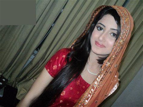Pak Celebrity Gossip Sajal Alis New Pics