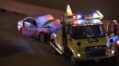 2 injured in Dan Ryan tow truck crash - ABC7 Chicago