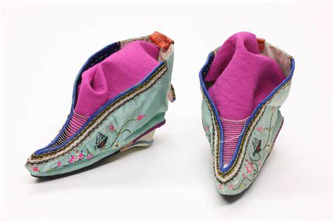 Filefoot Binding Shoes 1 Wikipedia