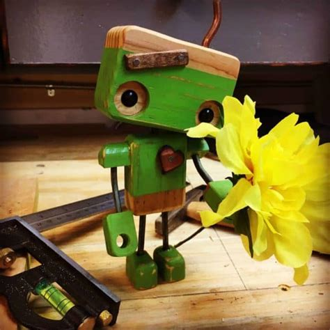pallet wood robot melts valentines day hearts  pallets
