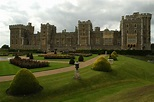 Windsor Castle: A Look at the World's Oldest Castle ...