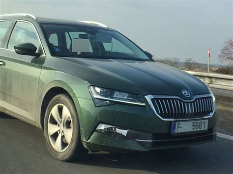 skoda superb facelift spotted testing    time