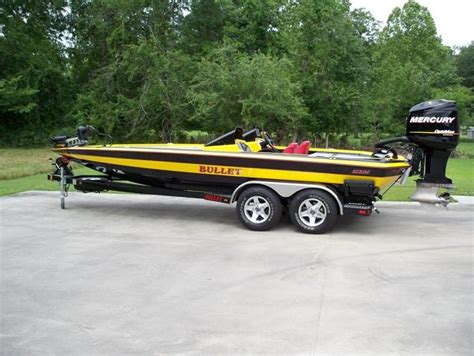 Bullet Boats Racing by Powell Of Gonzales La 2009 Bullet 21 Rdc With Mercury