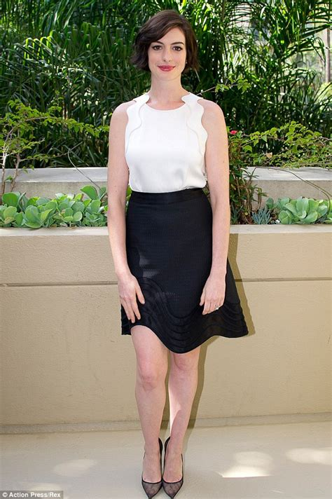 Anne Hathaway explains why she didn't shake hands with ...